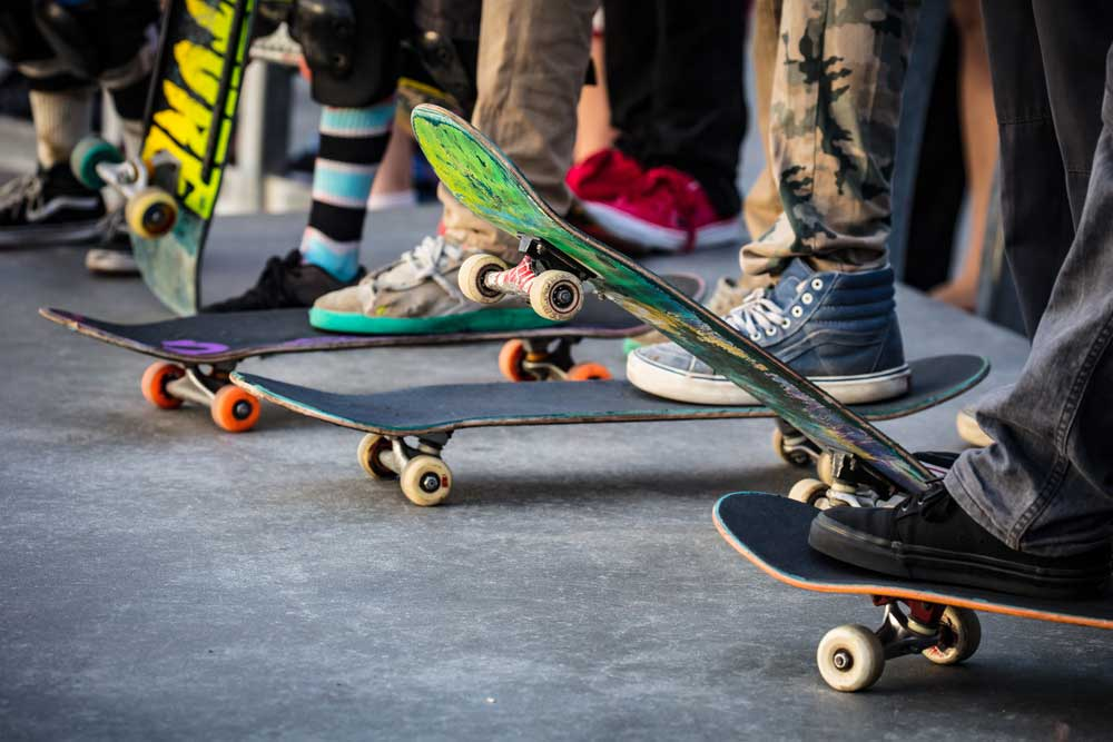 Best-Electric-Skateboards-under-$300-Review