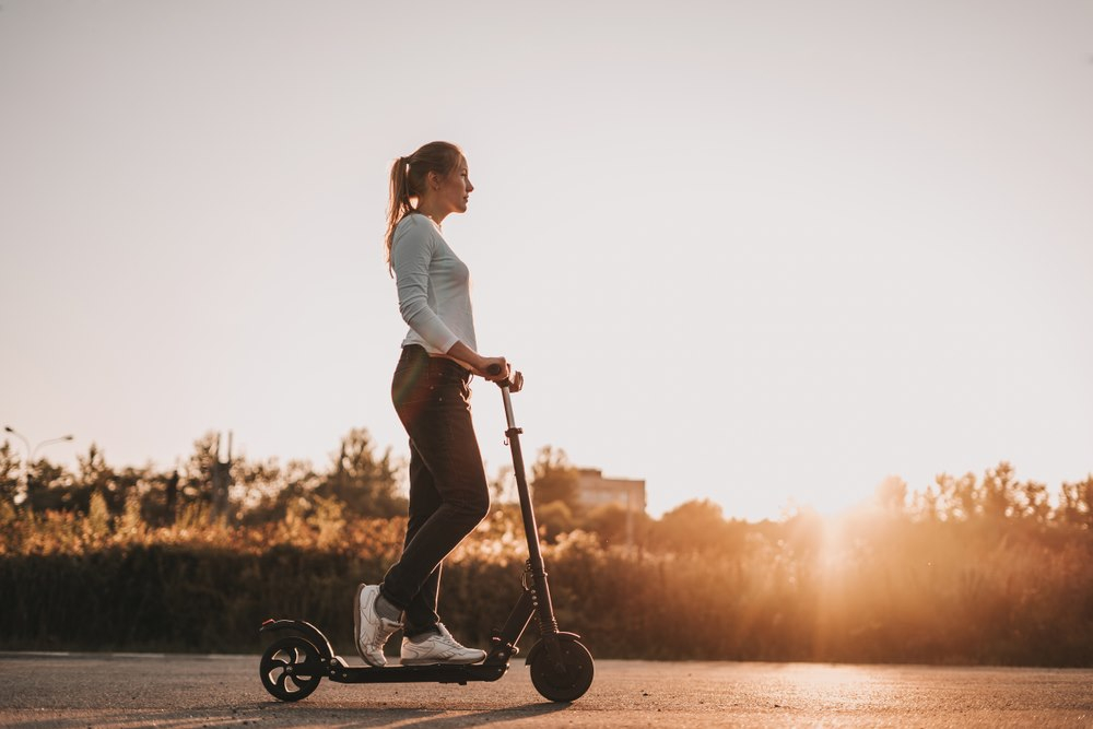 How to charge the electric scooter?